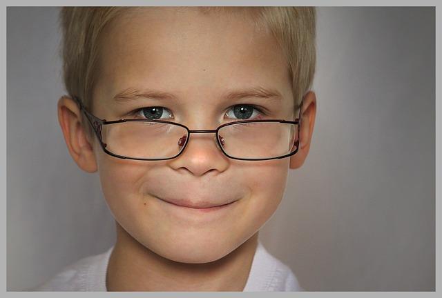 kluk s brýlemi.jpg